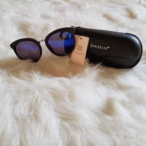 Dasein Sunglasses with case